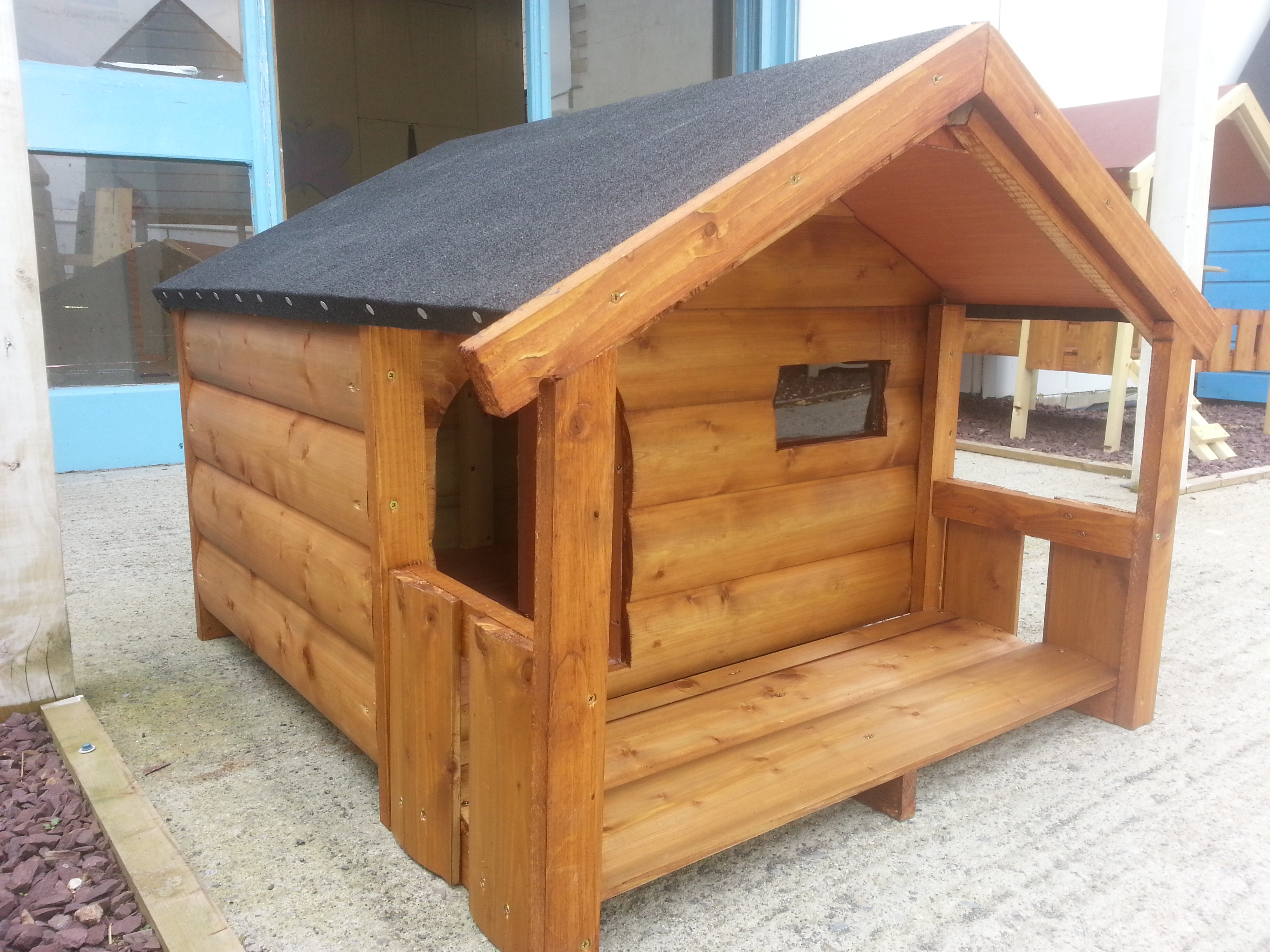 dog house with porch  funky cribs - dog kennels